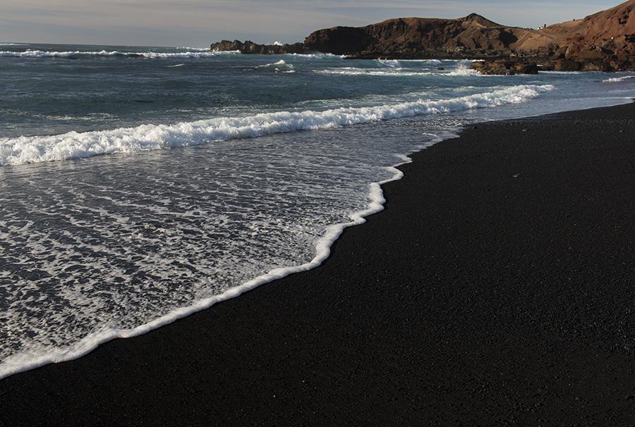 Black-Sand1